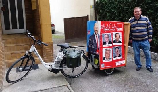 Werner Sonntag mit Wahlwerbung für Kommunalwahl 2014